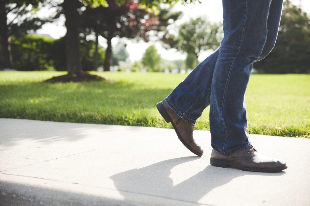 quanto tempo dovrei camminare sul tapis roulant per perdere peso